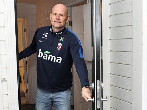 SJEF: Ståle Solbakken avviser at ansettelsen av Kent Bergersen er en vennetjeneste, og skryter i stedet av den avtroppende Kvik-trenerens fotballkompetanse.