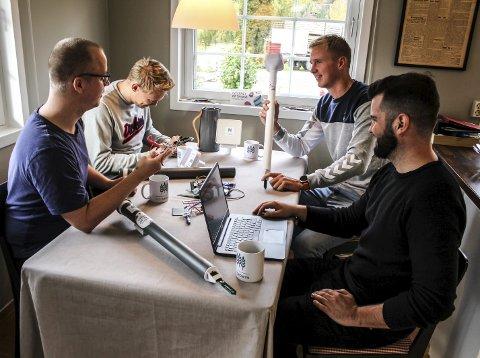 Gündere i arbeid: Stian Lysnes, Richard Myhre Nordkvelde, Hans Petter Bye Stien og Thor Martin Liverød.