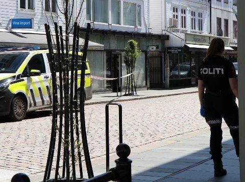 ÅSTEDET: Politiet jobbet i flere dager på åstedet for drapet i Haraldsgata etter drapet 9. juni. Den siktede 37-åringen som bodde i en leilighet i Haraldsgata 205, ønsker fortsatt ikke å forklare seg til politiet.