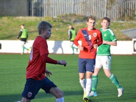 2015: Erling Braut Haaland (t.v.) og Kevin Martin Krygård i aksjon for det norske G15-landslaget mot Nord-Irland.
