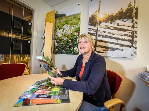 Lollo Vedbring, eiendomsmegler i Hemavan, forteller at markedet fortsatt står på to ben til tross for mangelen på norske kjøpere.