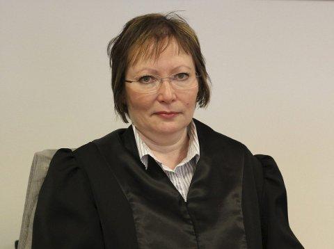 FORSVARER: Advokat Edel Hennie Olsen er forsvarer for kvinnen som er siktet for grov voldtekt mot en mindreårig jente.