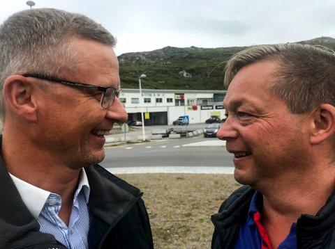 ANISKT TIL ANSIKT: Runar Eriksen og Ronald Aslaksen representerer hvert sitt dagligvarekonsern, og skal når Coop Hammerfest åpner filial i Storsvingen møtes ansikt til ansikt.