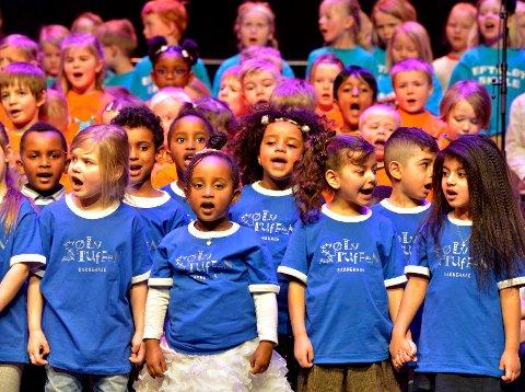 Barna sang av full hals, og sjarmerte en full sal under Sanskattekista 2018.