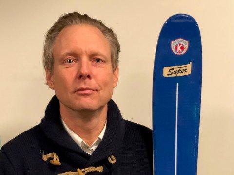 ENTUSIAST: Kongsbergkaren Børge Sandengen har sammen med to kompiser relansert Kongsberg ski. FOTO: PRIVAT