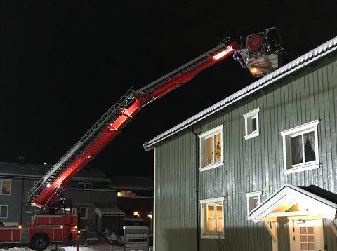 LIFT: Brannvesenets lift ble tatt i bruk i dag igjen. Fleere pipebranner i distriktet i det siste.