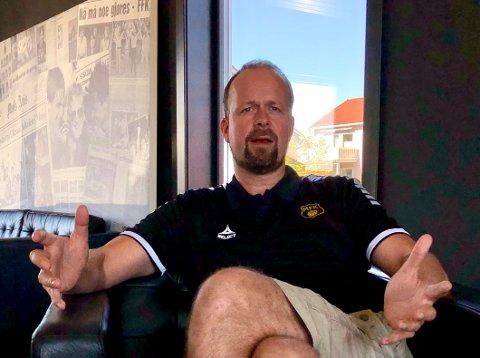 UFØRE: MFKs sportssjef Thomas Myhre sier at A-laget har kommet i et uføre og at et nedrykk vil drepe prosjektet. – Så absolutt, og derfor jobber vi døgnet rundt med å snu trenden, bekrefter han.