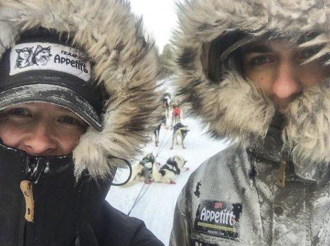 FORNØYDE: Kristoffer Halvorsen og samboer og handler Birgitte Næss var meget godt fornøyde med årets Finnmarksløp.