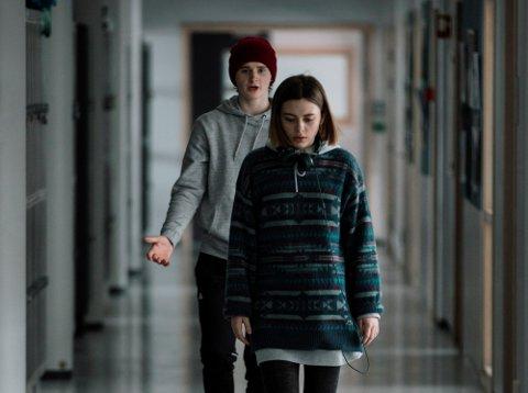"""""""Psychobitch"""" åpnet filmvåren, og byr på de to unge skuespillerne Jonas Tidemann og Elli Rhiannon Müller Osborne."""