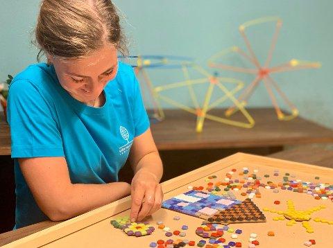 Elisabeth lager mozaikk av dupplingser