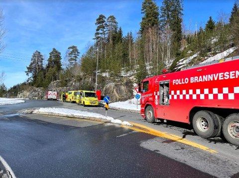 RØYKUTVIKLING: Brannvesenet måtte rykke ut i forbindelse med røykutvikling i en ambulanse søndag ettermiddag. F