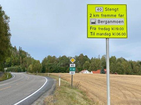 STENGES: Denne veien blir stengt i helgen og omkjøringene er lange.