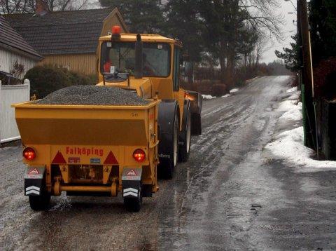Vanskelig: Kommunen sliter med å holde glatta borte.  Ill.foto