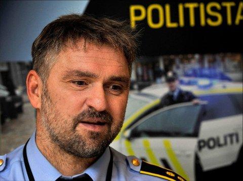 Vær varsom: Nærkontakt for politiet i Rakkestad, Pål Brandstorp ber folk være varsomme mot å gi fra seg både penger og sensitive opplysninger, hvis de blir kontaktet av personer som ønsker det.