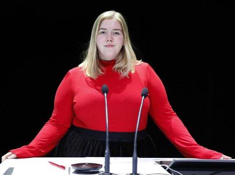 Anette Amalie Åbodsvik Bang er fylkestingsrepresentant i Nordland og leder i Nordland senterungdom. I morgen skal hun utfordre utenriksministrene i Barentsregionen på kultur.