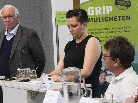 Lisbeth Fremstad Morewood (i midten) er foreslått som Oppland SVs andrekandidat til stortingsvalget.