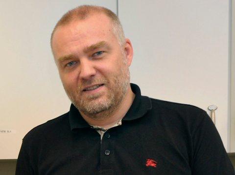 I HOLE: Kommunelege Bernt Ivar Gaarder. (Arkivfoto)