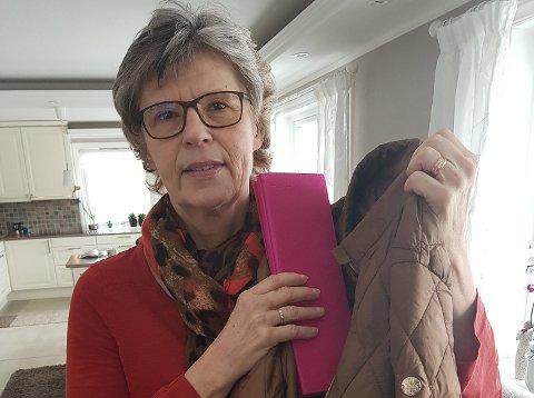 JAKTER SAMARITAN: Marianne Aune jakter eieren av sitteunderlaget og denne jakken, som hun fikk låne da hun skadet seg på skitur 13. februar.
