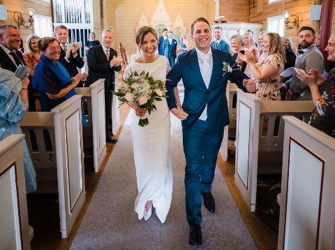FEST: Ine Hebnes og Stian Gilje ble gift 31. juli i Revheim kirke og feiret begivenheten med en heidundranes fest.