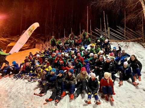 SAMLING: Over 100 langrennsløpere og 25 alpinister var samlet til trening på tvers av skiidretter i Kjerringåsen mandag.
