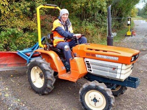 Øystein Dahl har hatt mange lykkelige stunder på sin traktor.