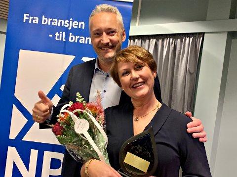 Kitty Eide fikk flest stemmer i soknerådsvalget i Kristiansund. Tirsdag fikk hun for øvrig Norsk Petroleumsforening avdeling Møre og Romsdal sin ærespris av styreleder Tor Henrik Eide.