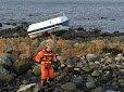HØY HASTIGHET: Båten ble slynget rundt ti meter inn på land da den traff skjæret i høy hastighet.