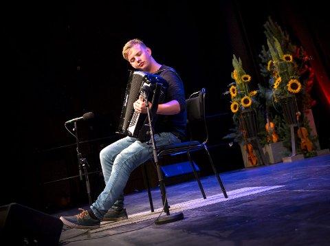 2.plass: Tor Nythun-Bøe fikk 2. plass under Landsfestivalen i gammaldansmusikk i Oppdal.
