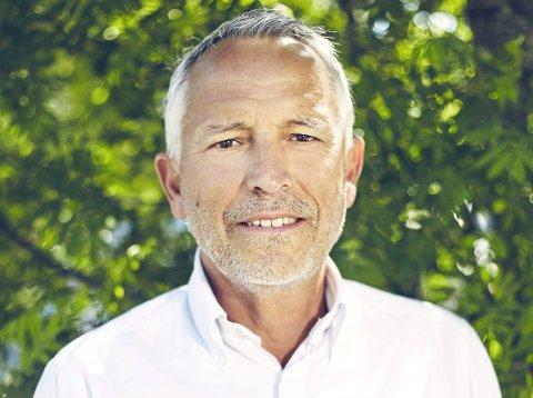 Gunnar Modén spør om Opplysningsvesenets Fond kommer med trusler. Nei, er svaret.