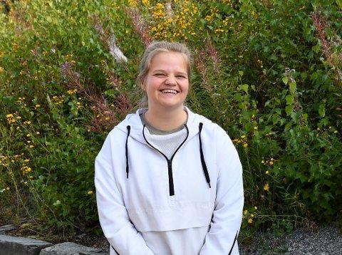 Eneste elev: Det er et halvt år siden Anja Kulterud var eneste hedøl fra sitt årskull som starta ved Valdres vidaregåande skule. Hun mener det er viktig at det finnes et bredt skoletilbud også på bygda.