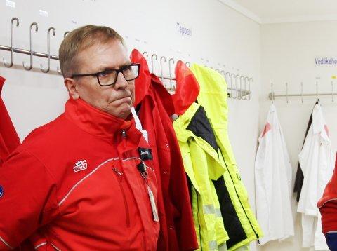MEDARBEIDERNE STÅR PÅ: Det jobbes på spreng på Tine meierier på Åskollen. André Sivertsen, lagersjef og plassansvarlig, er mektig imponert over sine ansatte.