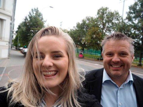 Far og datter: Blogger Martine Halvorsen er nominert til Jenteprisen. Her  sammen med pappa Trond Halvorsen. Foto: Privat