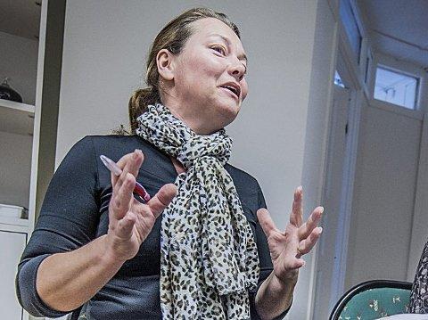BEKYMRET FOR ARBEIDSMILJØET I KOMMUNEN: Hanne Nesfeldt, Utdanningsforbundet i Ås.