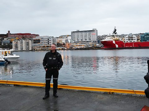Bypoliti: Ingar Solberg avbildet i innlegget han selv delte på Facebook.  Solberg skriver han føler seg godt mottatt i byen, og er sikker på at han vil trives også der.