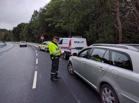 OPPLØFTENDE: Kun fem bilister ble lørdag formiddag gitt forenklet forelegg i politiets kontroll på Frydendal.