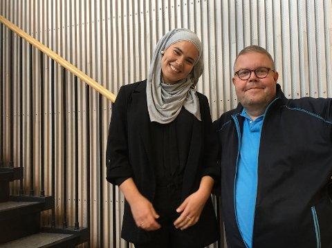Iman Meskini ble kjent som «Sana» i NRK-serien «Skam». I slutten av oktober kommer hun til Risør. Prosjektleder for turneen er Risørmannen Odd Sverre Aasbø. Han oppfordrer alle til å komme.