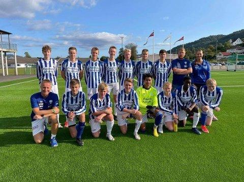 STEMT FREM: Trener Eivind Ramsli, som vi ser nede til venstre, er kåret til årets grasrottrener i Rogaland.