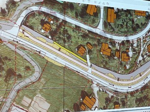 Kantstein: På de første 400 meterne fra Oppeid vil det bli benyttet kantstein mellom gang- og sykkelveien og de tilgrensende eiendommene.