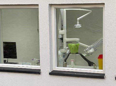 Ledige kontorer: Færre tannleger enn før har medført at flere av kontorene på tannklinikken for tiden står ubenyttet.