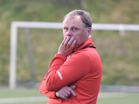 Surt tap: Mastra-trener Bjarne Aske måtte se laget tapet kampen på overtid
