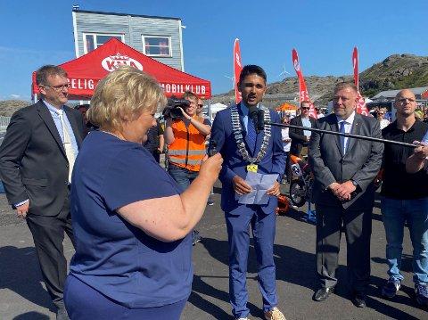 ENDELEG: Etter 18 års innsats frå veldig mange kunne KNA Raceway - Motorcenter Norway opnast av ein opplagt statsminister sundag ettermiddag.