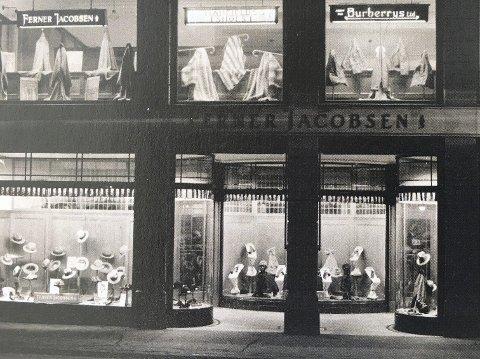 I stortingsgaten:  Fasaden til Ferner Jacobsens butikk på 1930 tallet.