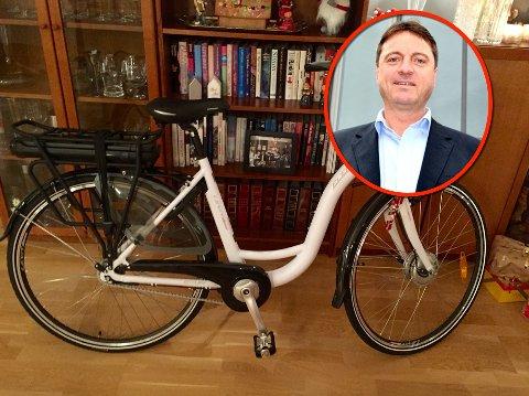 Henning Røli er oppgitt etter at frekke tyver ribbet syklene til han og kona.