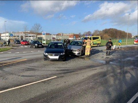 MATERIELLE SKADER: Trafikkulykke på Østsiden onsdag ettermiddag.