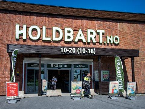 Holdbart har vært et populært tilskudd til handelen i Fredrikstad. Konseptet er å kjøpe inn datovarer og overskuddsvarer fra de store kjedene som de trenger å bli kvitt, og selge dette billigere.