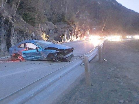 KNUST: Denne bilen skal ha holdt over 140 km/t da føreren mistet kontrollen. Det kunne godt endt som dødsulykke, fastslås i det dommen fra Ofoten tingrett.