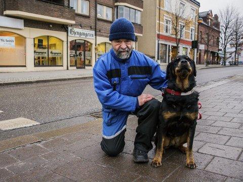 RÅD OG TIPS: Terje Johansen er Gjengangerens faste hundespaltist. Her med sin hund Alfa.