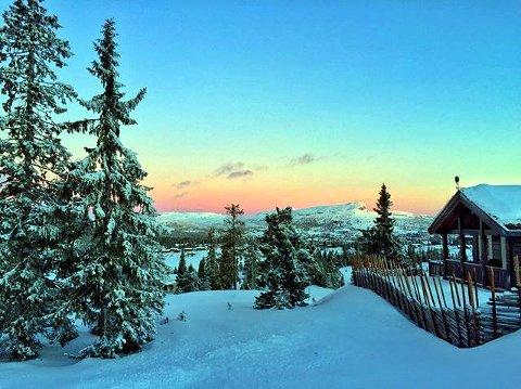 4. MORGENSTEMNING: Skeikampen-jul. Foto: Kristin Fjæstad