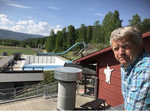 TYVERI: Daglig leder av badeanlegget på Jorekstad, Terje Rønning, håper gressklippere, snøfreser og kantklipper kommer til rette igjen.
