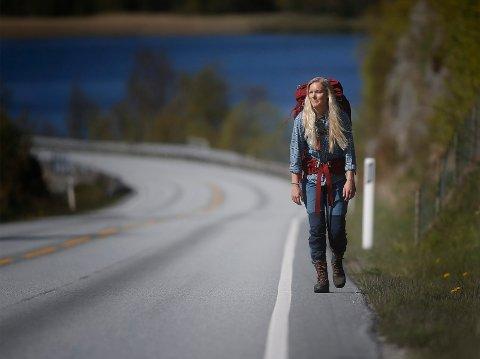 2800 KILOMETER: Ida Hermans fra Sveio har en lang tur foran seg. Her er hun ute og øver i hjemlige trakter.